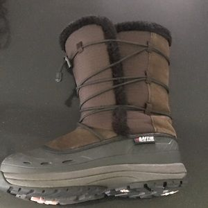Barely worn winter boots